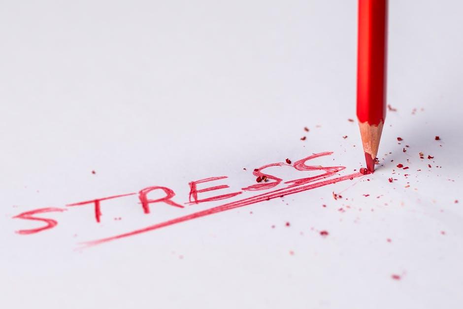 quais os sintomas de ansiedade