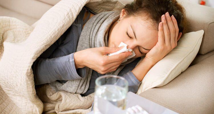 quais são os sintomas da pneumonia